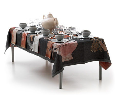 "Courtesy of: www.dezeen.com ""Table-Palette"" for ""total Table Project""at ""Object Rotterdam"", 2010 by Kiki van Eijk"